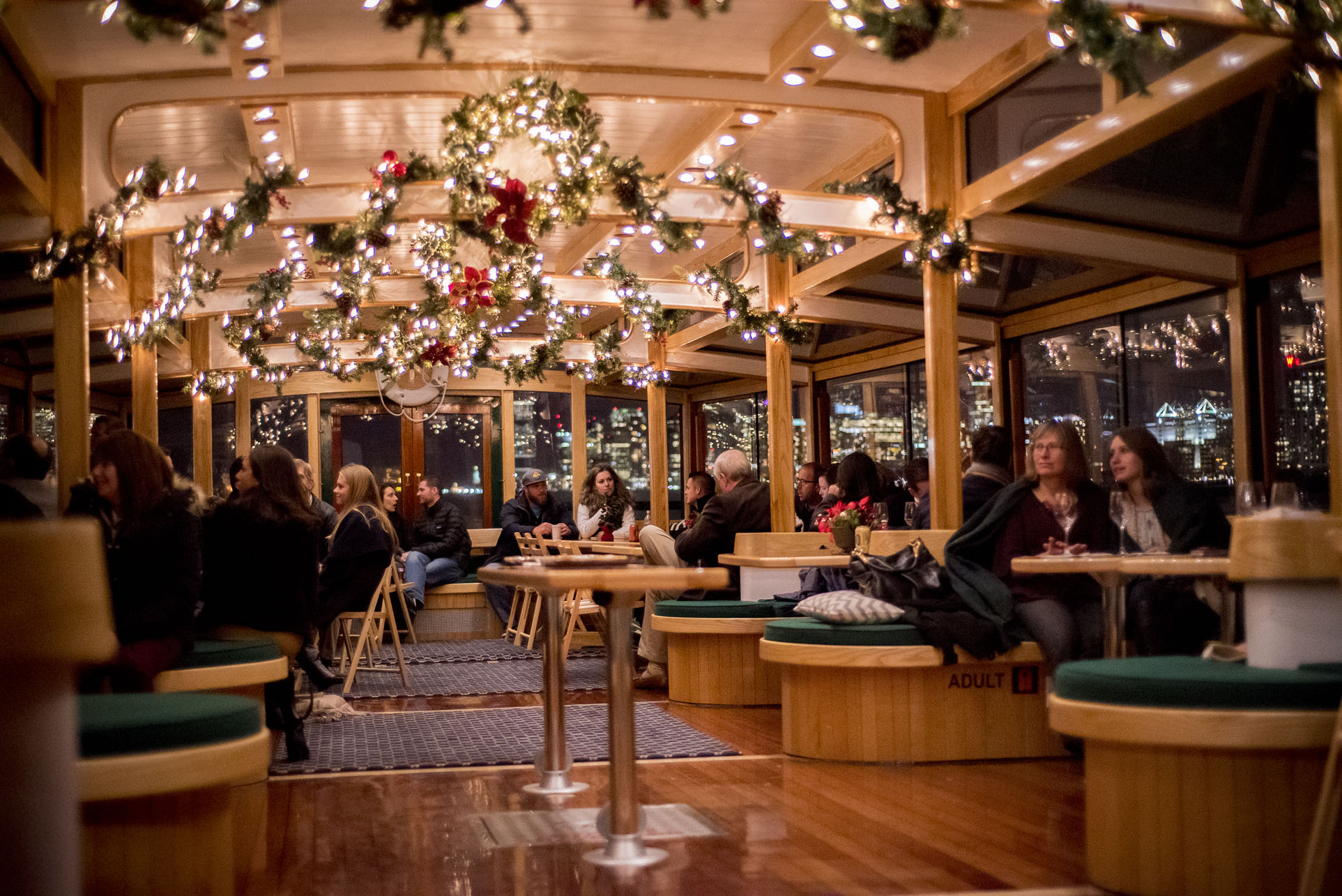 Holiday-Brunch-Cruise-with-Hot-Chocolate-Bar