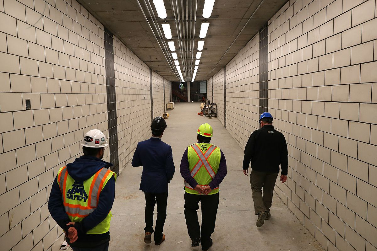 A Pedestrian Tunnel Connecting the T and Commuter Rail Just Opened in North Station. Take a Look!