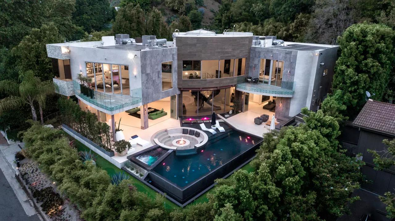 Luxury Home of the Week: Once Home to Heidi Klum, This Contemporary Bel-Air Residence is On The Market for $15M